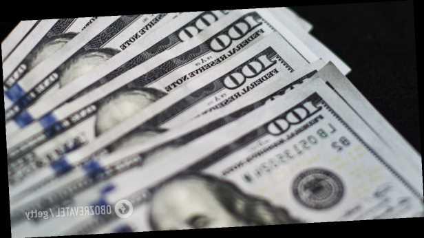 Курс доллара в Украине упал ниже психологической отметки